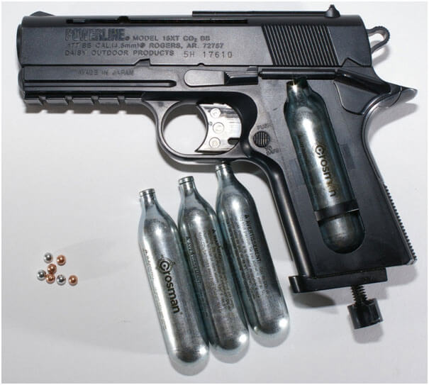 BB Gun With CO2 Canisters and BBs