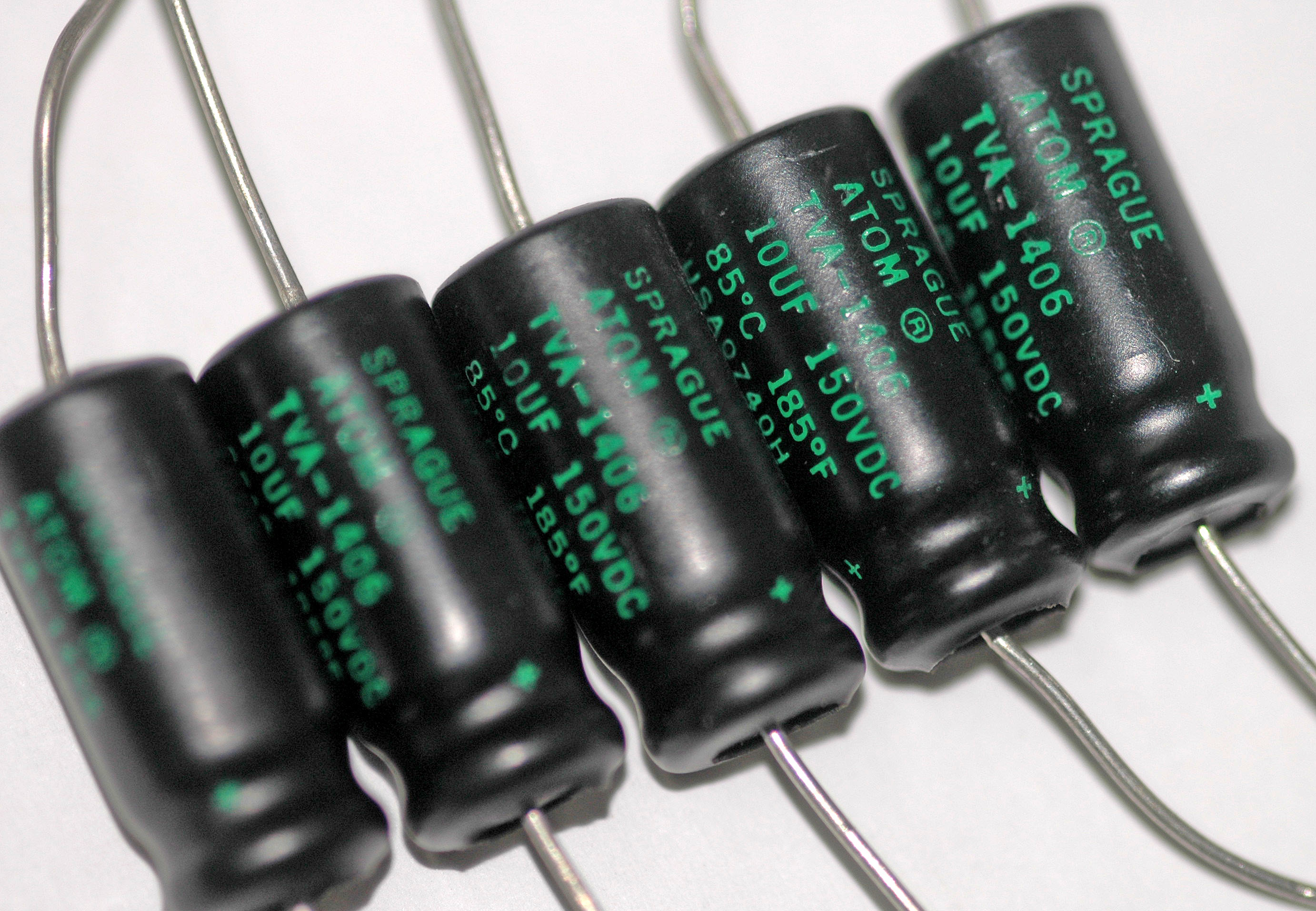 axial-electrolytic-capacitors.jpg